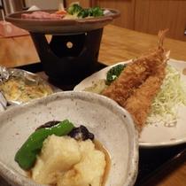 *【夕食全体例】4〜5品からなる女将手作りの家庭的な料理をご提供いたします。