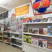 *売店/おつまみやお菓子、おみやげなどを販売