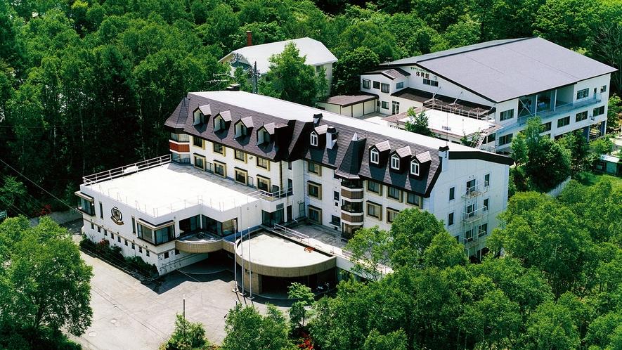 *外観/菅平高原の豊かな自然に囲まれたやすらぎのホテル