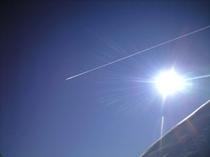 雪屁と太陽と飛行機雲