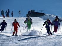 友達とスキー&温泉を楽しもう!。
