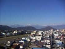 残雪の北信五岳がのぞめます。