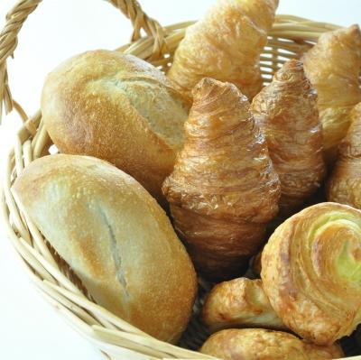 朝食 自家製パン 2