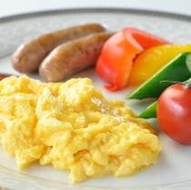朝食 スクランブルエッグ