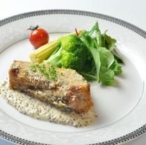 夕食 白馬豚バラ パン粉焼き
