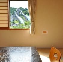 和室10畳 窓からの眺め