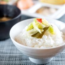 ご飯とお新香【朝食】ご飯の付け合わせもこだわってます!