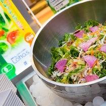 野菜ソムリエがセレクトしたJAS有機野菜サラダがお楽しみ頂けます♪
