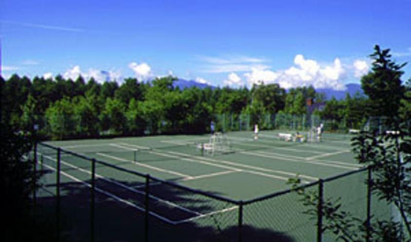 専用テニスコート