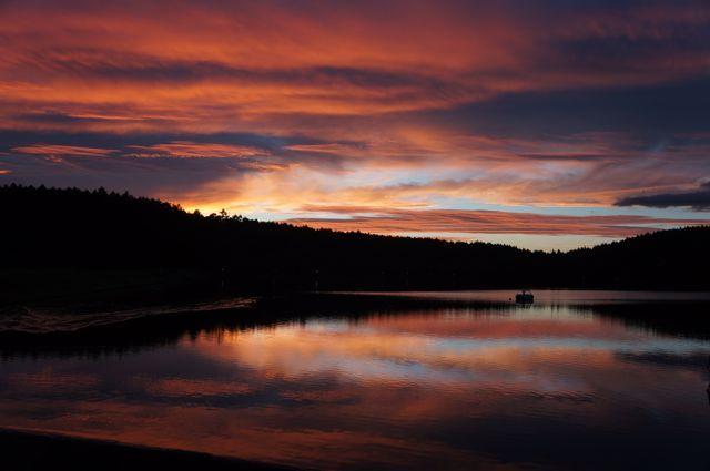 真っ赤に染まる夕暮 女神湖にて