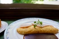 朝食 プレーンオムレツ