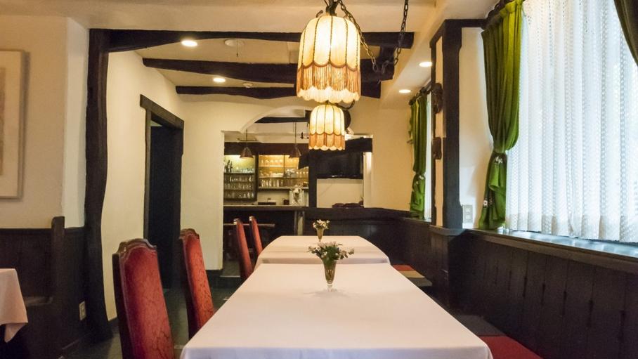レストランではその日その日で変わる自慢のディナーをお楽しみください。