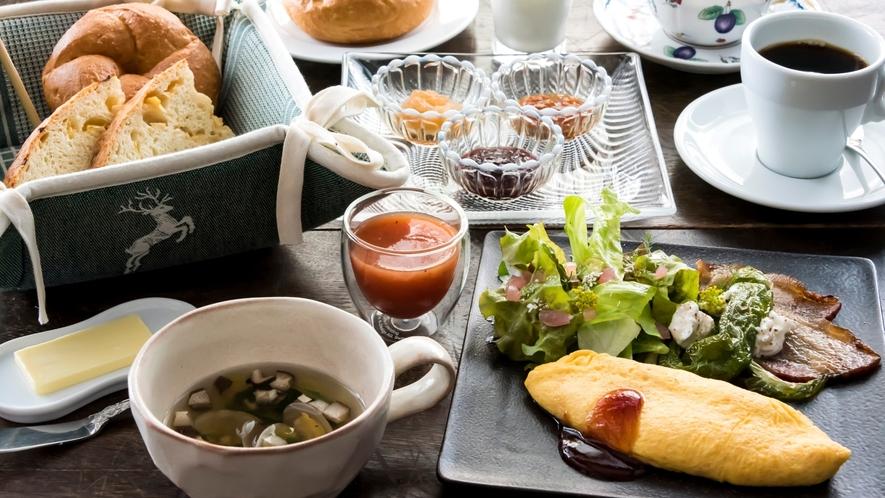 自家製ジャムが人気の洋風朝食。