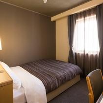 ◆セミダブルルーム◆13平米・ベッド幅140cm