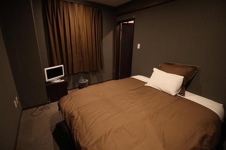 ベッドルーム(2名)