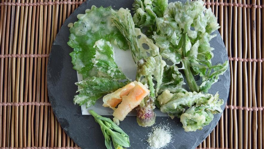 ・山菜の天ぷら.