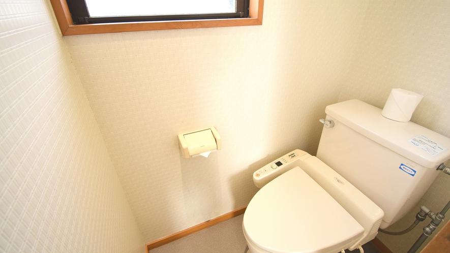 ・和室12畳特別室 トイレ