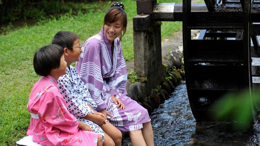 【野庭園・風車】炭小屋や風車など日本の風景が広がる野庭園