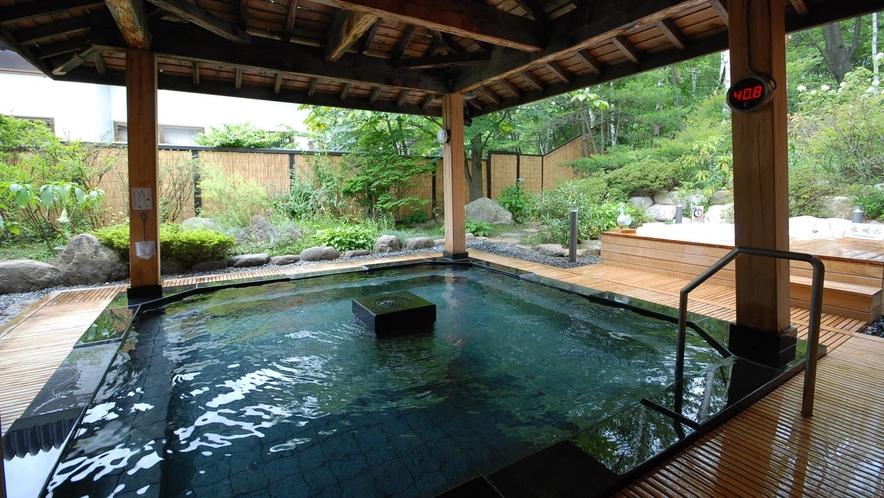 【石の湯】露天風呂(夏)