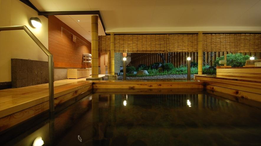 【木の湯】露天風呂(春夏)