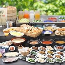 【朝食】信州漬物や焼き魚、お茶漬など、地域食材を使った体に良い朝食