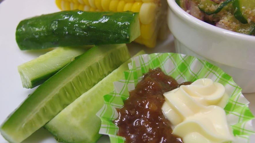 ・自家製野菜のサラダ