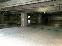屋内駐車場(1階)