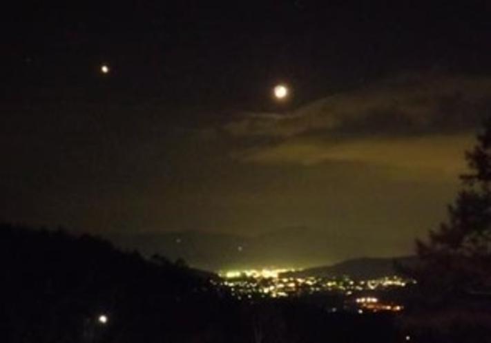 夜景とお月様
