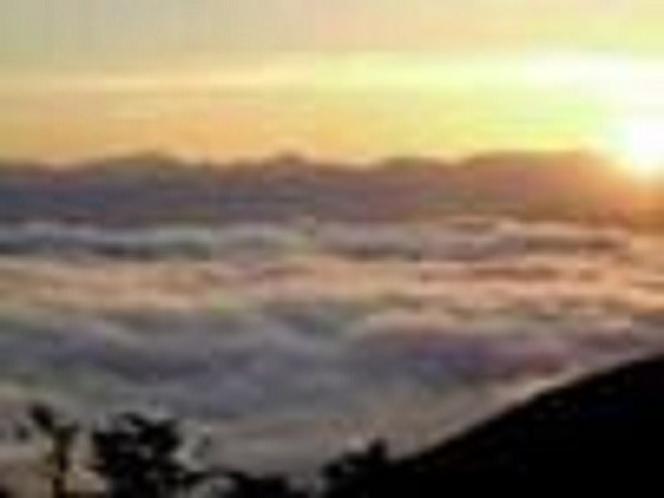標高1500mから北アルプスに沈む夕日