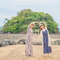 """パワースポットとしても人気の「小島神社」海が割れて参道が現れる""""干潮""""でしか参拝できない神秘的な神社"""