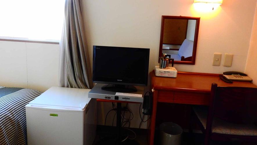 *ツイン(バストイレ付)一例 約13平米 無線LAN接続OK!喫煙&禁煙部屋をご用意しております。