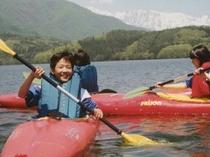きれいな青木湖でカヌー