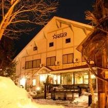 ★雪で光る冬季の夜景