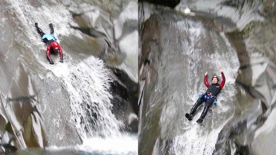 【キャニオニング】重装備で渓流を下る、スリル満点の滑り台
