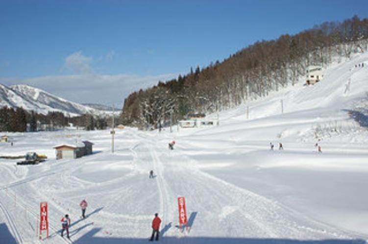 冬はノルデイックコースとスキージャンプ台(シャンツェ)となり大会も開催