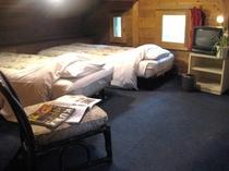 203号室【パート2左に椅子の在るルーム】