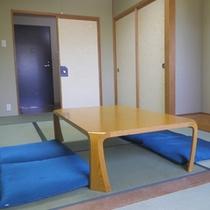 *【客室】畳のお部屋でのんびり足を伸ばして、お寛ぎ下さい。