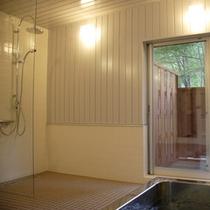 1階のお風呂 レインシャワー