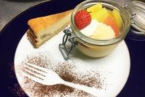 バナナのチーズケーキとプリンアラモード