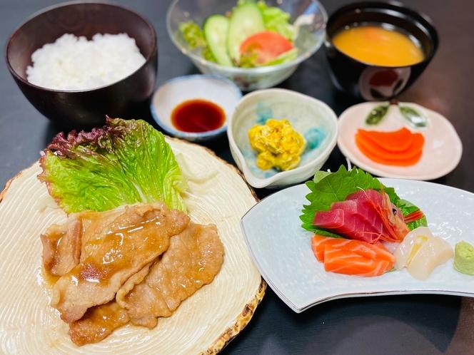 豚の生姜焼きとお刺身定食(夕食)