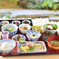 日本料理「弁慶」 和朝食