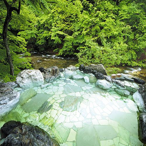 露天風呂【眺めと湯の香り】