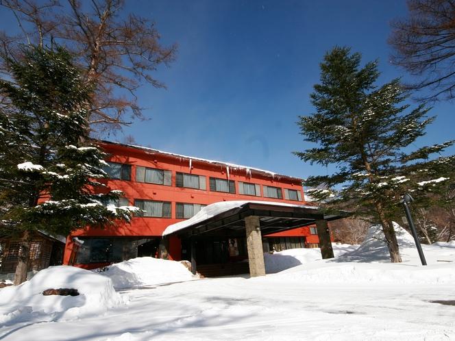 冬の全景。雪のシーズンは1メートル近く積もります。