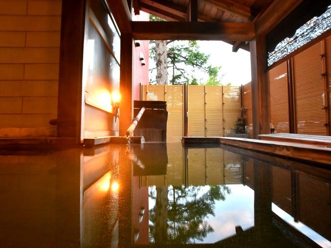 貸切露天風呂は7人までは入れます(有料)