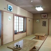 *[食堂]畳のスペースもございます