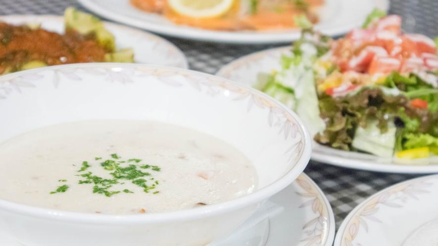 *[夕食一例]酪農が盛んな北軽井沢ならでは!美味しい乳製品で作るあったかスープも好評です