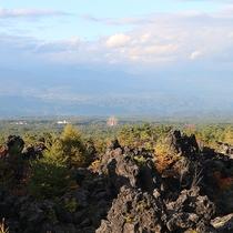 *[鬼押出し園]当館より車で約10分!浅間山の噴火の際に流れ出た溶岩が一帯に広がる観光名所