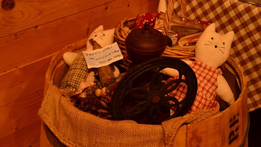 *[食堂]オーナー夫人の手作りリースやかわいい小物たち