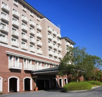 ホテル外観 青空