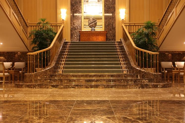 宴会場玄関 階段